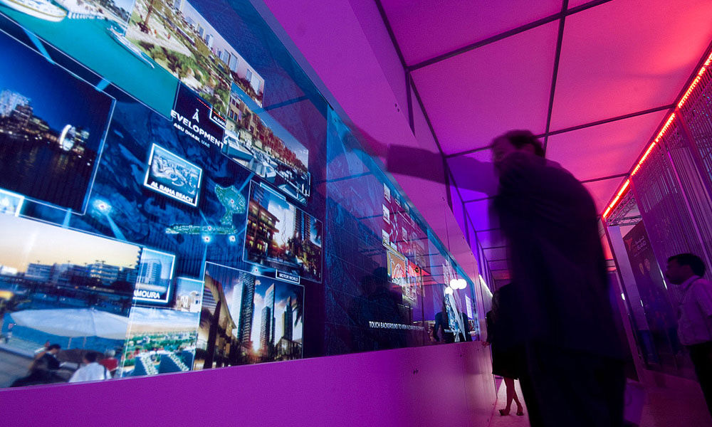 Aldar-20ft-multitouch-project-images3-web